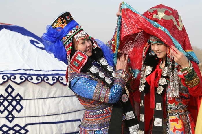 Mongolian clothing culture