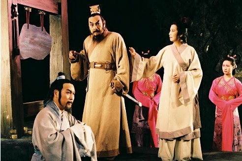 Beijing theater stages classic historical drama