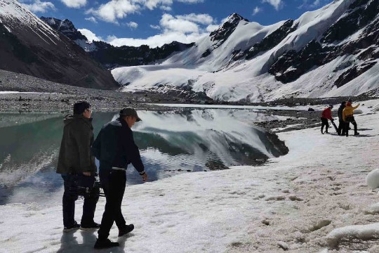 Tibet glacier site opens to the public